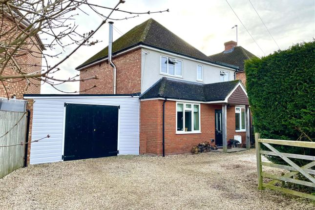 Thumbnail Detached house for sale in Fifth Road, Newbury