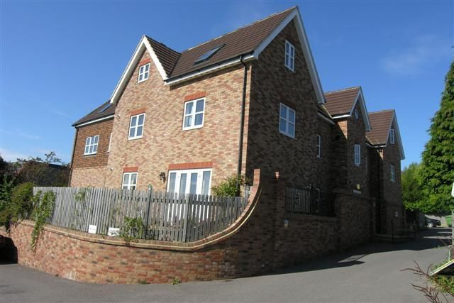 2 bed flat to rent in Harley Lodge, Harley Lane, Heathfield, East Sussex TN21