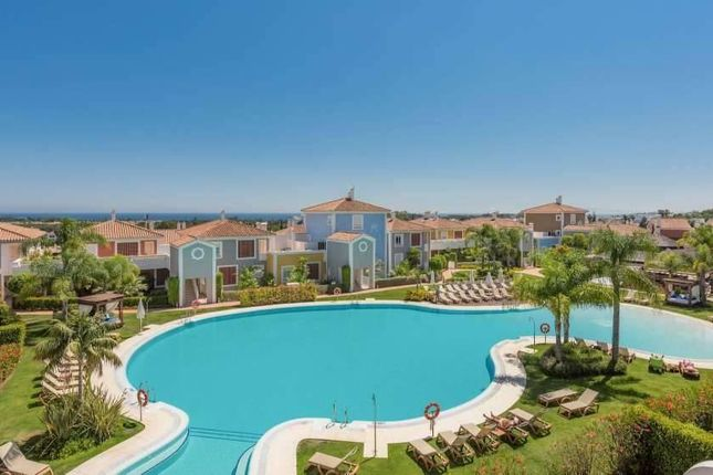 3 bed apartment for sale in El Paraiso, Andalucia, Spain