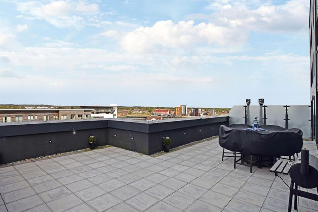 Thumbnail Flat for sale in The Hawkins Tower, Ocean Village, Southampton, Hampshire