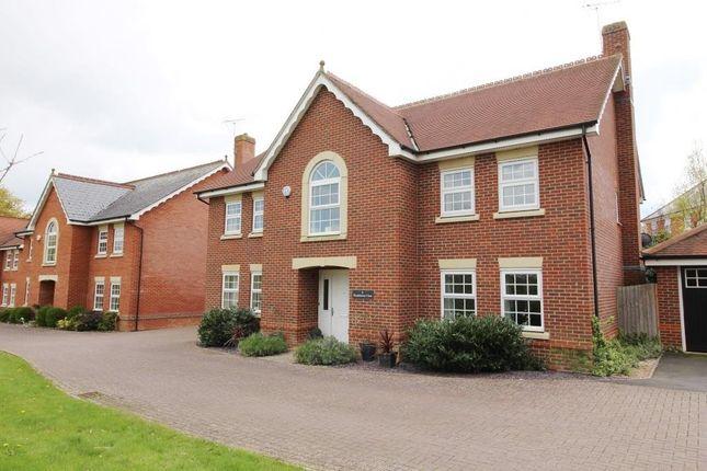 Thumbnail Detached house to rent in Woodthorne Close, Tilehurst, Reading