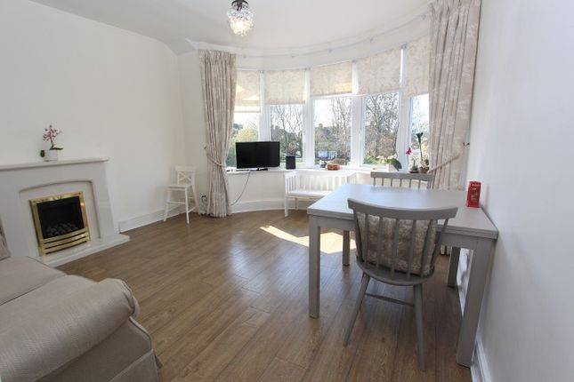 Thumbnail Flat to rent in Hale Lane, London