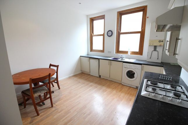 Thumbnail Flat to rent in Fountain Street, Morley, Leeds