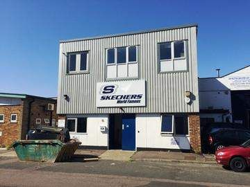 Thumbnail Commercial property to let in Station Close, Potters Bar
