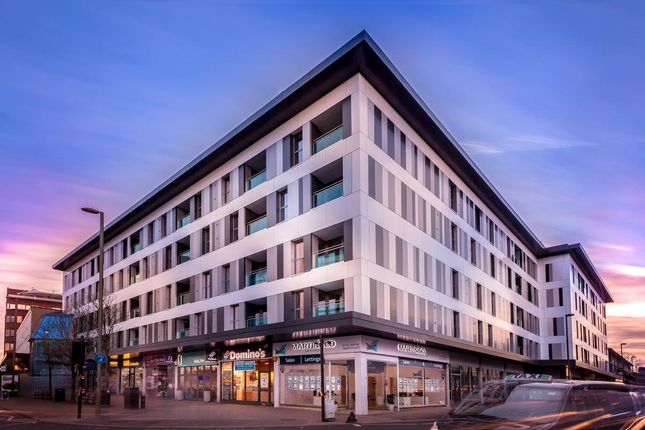 Thumbnail Flat for sale in High Street, Redhill