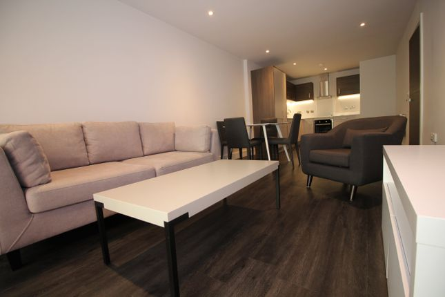 Thumbnail Flat to rent in Leicester
