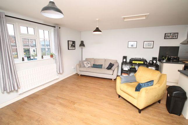 Thumbnail Maisonette to rent in Castle Street, Trowbridge