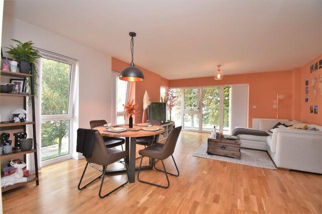 Thumbnail Flat to rent in Kew Apartments, West Drayton