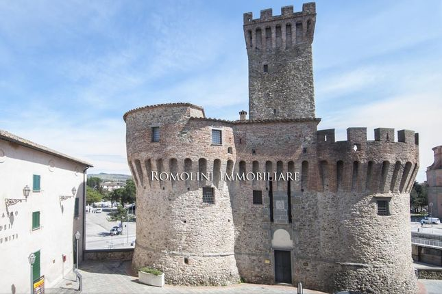 2 bed apartment for sale in Umbertide, Umbria, Italy