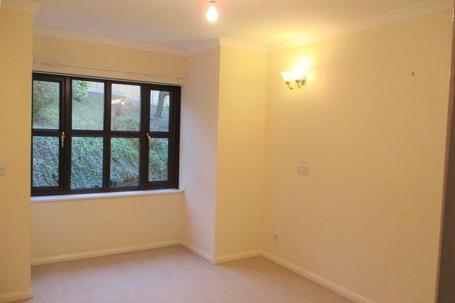 Thumbnail Flat to rent in Trafalgar Court, Clay Lane, Uffculme, Devon