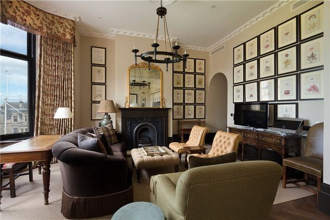 Sitting Room of Hamilton Grand, 21 Golf Place, St. Andrews, Fife KY16