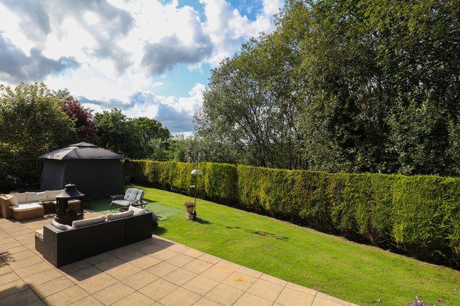 Garden of Castlerow Close, Sheffield S17