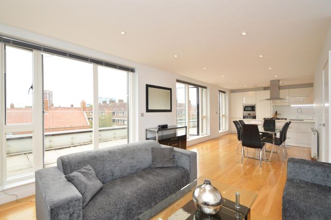 Thumbnail Flat to rent in Spelman Street, London