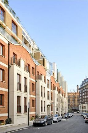 Thumbnail Property for sale in Lancelot Place, Knightsbridge, London