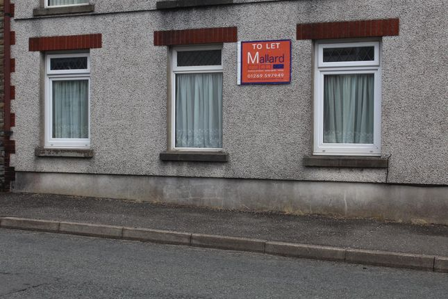 Thumbnail Flat to rent in Betws Road, Betws, Ammanford