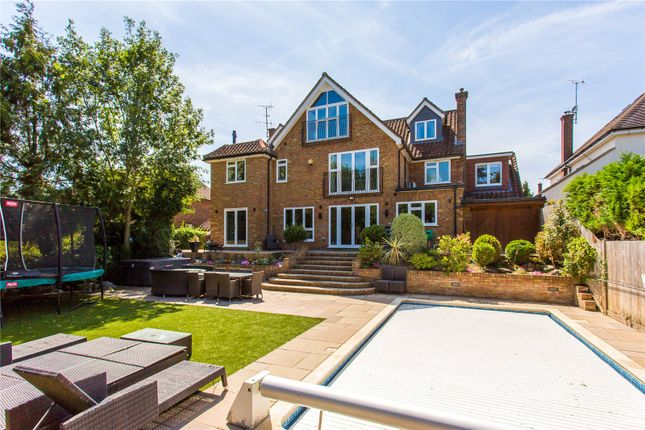 Thumbnail Detached house to rent in Moreland Drive, Gerrards Cross, Buckinghamshire