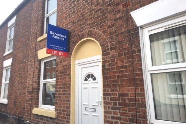 2 bed terraced house to rent in Church Street, Chester