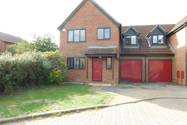 Thumbnail Link-detached house for sale in Elgar Drive, Shefford, Beds
