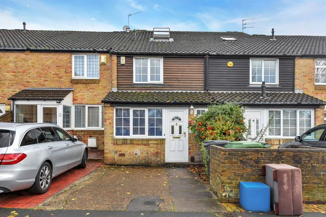 Thumbnail Terraced house for sale in Danescombe, Lee