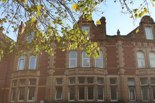Thumbnail Flat to rent in The Crescent, Hyde Park, Leeds