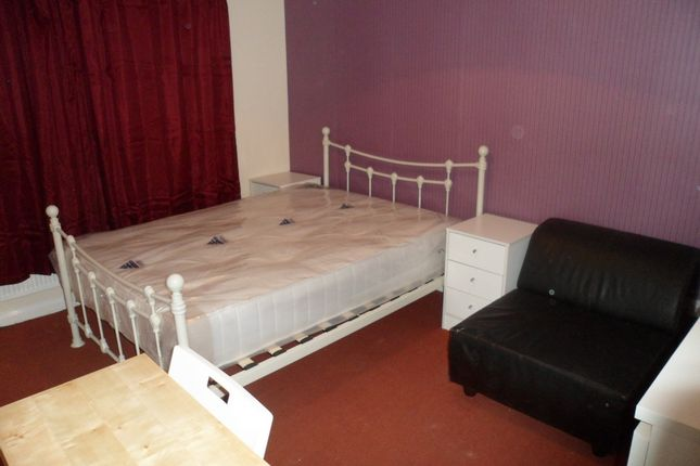 Room to rent in Pelly Road, Plaistow