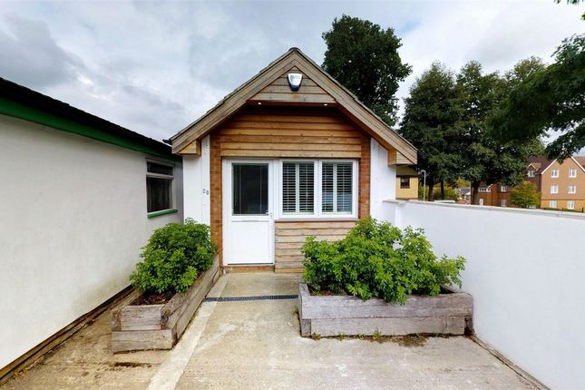 Thumbnail Detached house to rent in Kents Avenue, Apsley, Hemel Hempstead, Hertfordshire