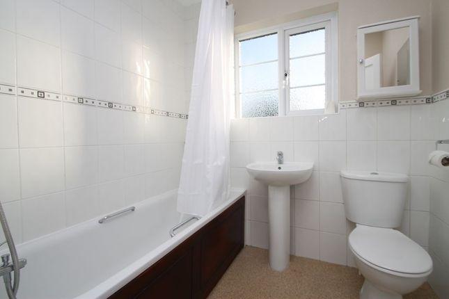 Bathroom 1 of Avenue Road, Bexleyheath DA7