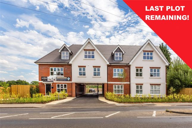 Flat for sale in New Haw Road, Addlestone, Surrey