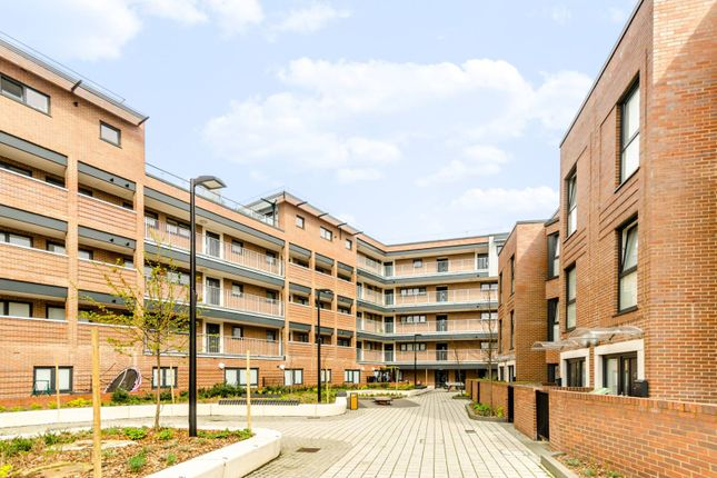 Thumbnail Flat to rent in Coopers Road, South Bermondsey