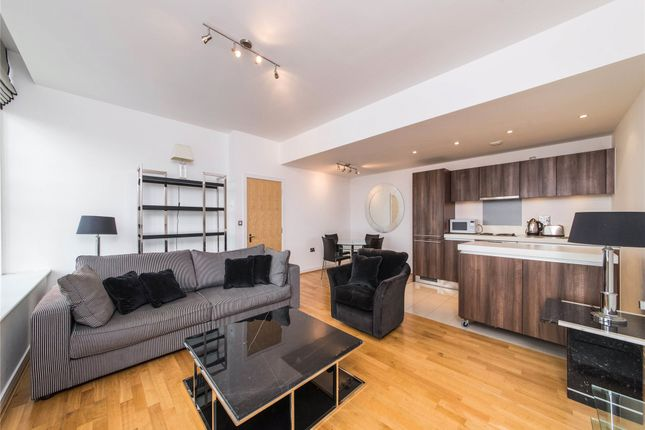 Thumbnail Flat for sale in Great West Road, Brentford