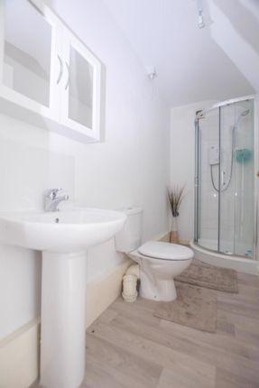 Bathroom of 45d Primrose Street, Alloa, Cackmannanshire FK10 1Jj