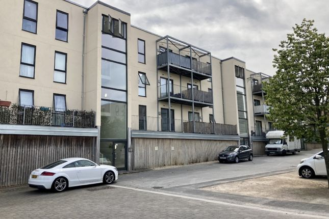2 bed flat to rent in Lime Tree Square, Street BA16