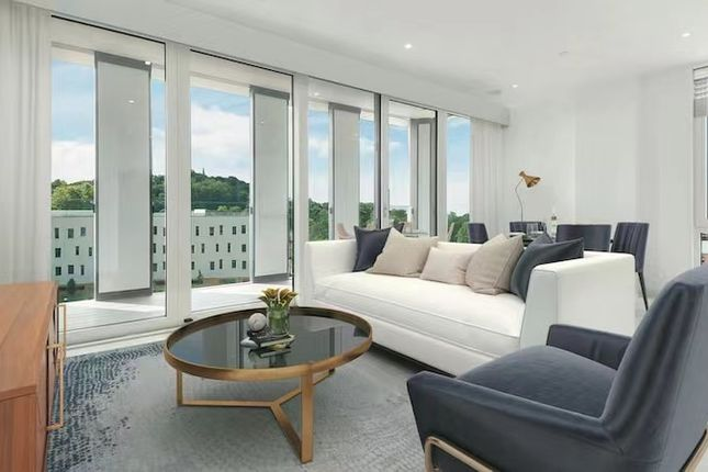 2 bed flat for sale in Western Ave, London W3