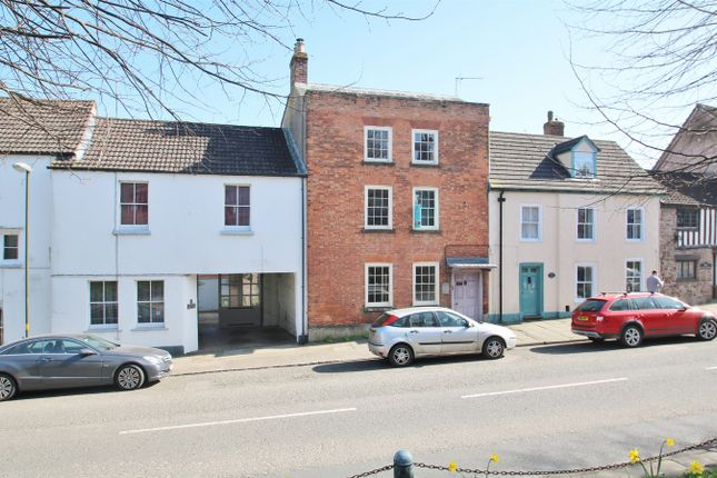 Thumbnail Semi-detached house to rent in High Street, Newnham, Gloucestershire