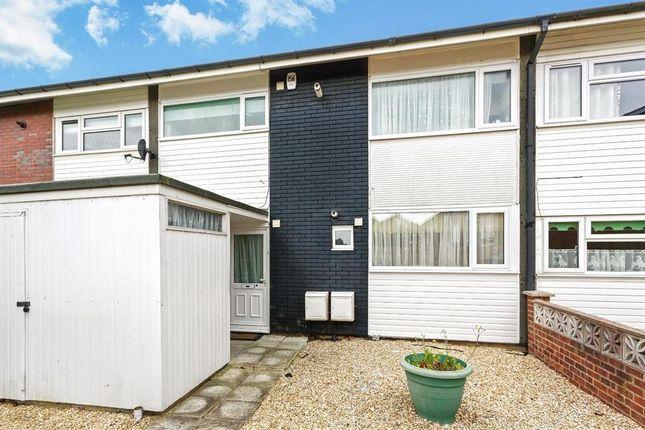 Thumbnail Maisonette to rent in Millard Close, Basingstoke