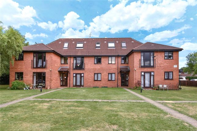 Thumbnail Flat for sale in Elm Court, Durham Road, Sandhurst, Berkshire