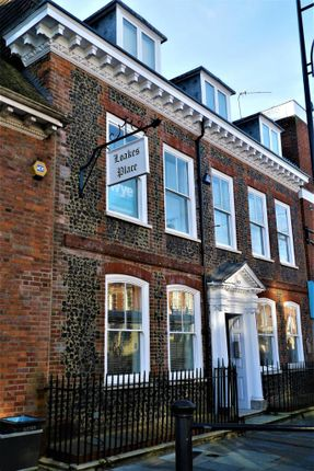 Thumbnail Flat to rent in Loakes Place, High Wycombe