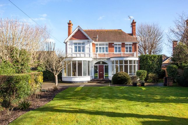 Thumbnail Detached house to rent in Mill Road, Marlow, Buckinghamshire