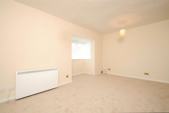 Picture No. 16 of Rabournmead Drive, Northolt, Middlesex UB5