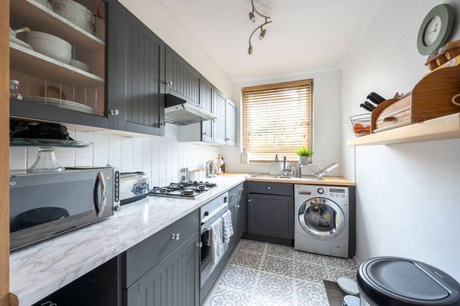 3 bed flat for sale in Victoria Drive, Southfields, London SW19