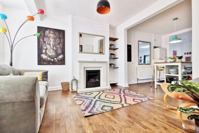 Thumbnail Terraced house for sale in Connaught Avenue, East Barnet, Barnet