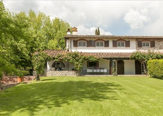 7 bed farmhouse for sale in Lucca, Tuscany, Italy