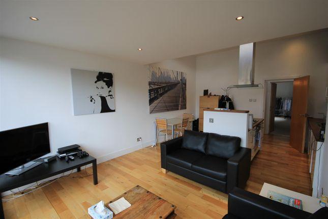 Thumbnail Flat to rent in Thrawl Street, London