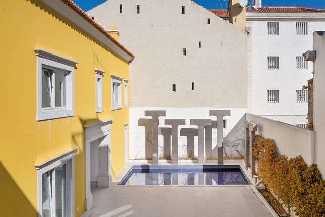 Thumbnail Villa for sale in Lisbon, Portugal