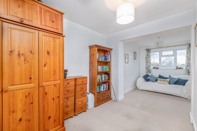 Bedroom 2 of The Mixies, Stotfold, Hitchin, Herts SG5
