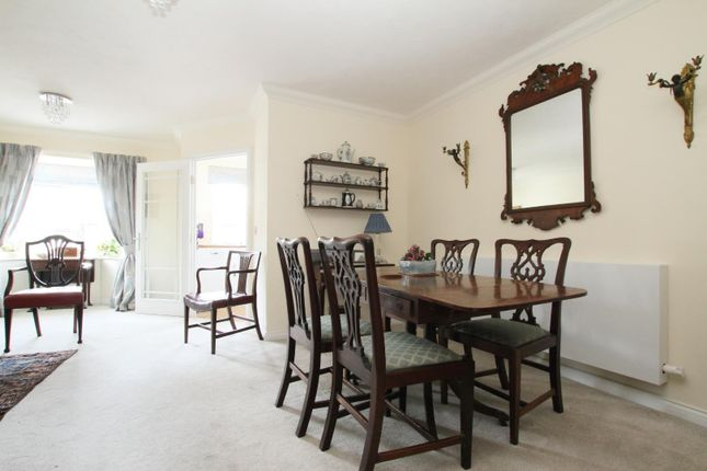 2 bedroom flat for sale in Roper Road, Canterbury