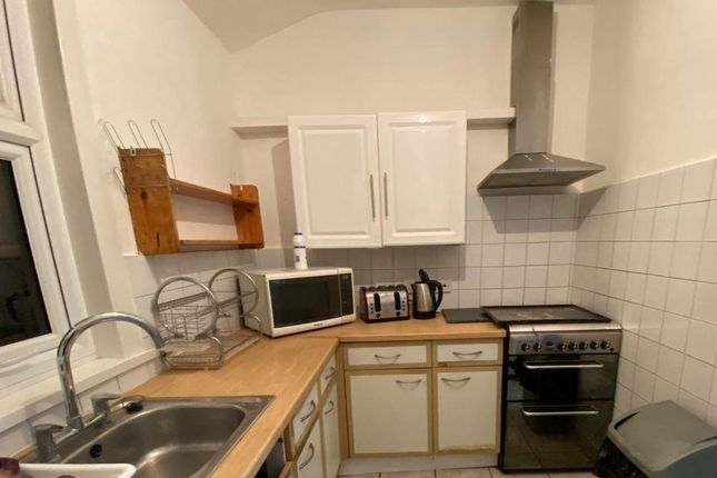 Thumbnail Room to rent in Northcott Avenue, London