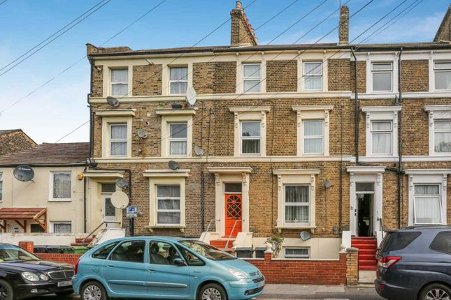 Thumbnail Town house for sale in Vicarage Road, London