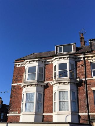 Thumbnail Flat to rent in To Let....Flat 3, Second Floor 2 Bed Flat, 44 Promenade, Bridlington.