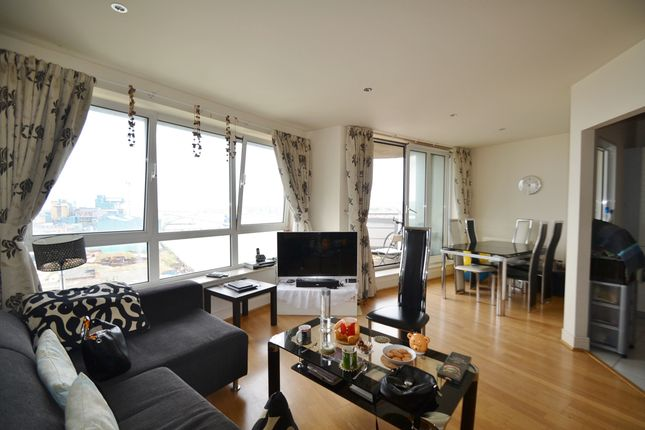 Thumbnail Flat to rent in Wards Wharf Approach, Royal Docks - Docklands